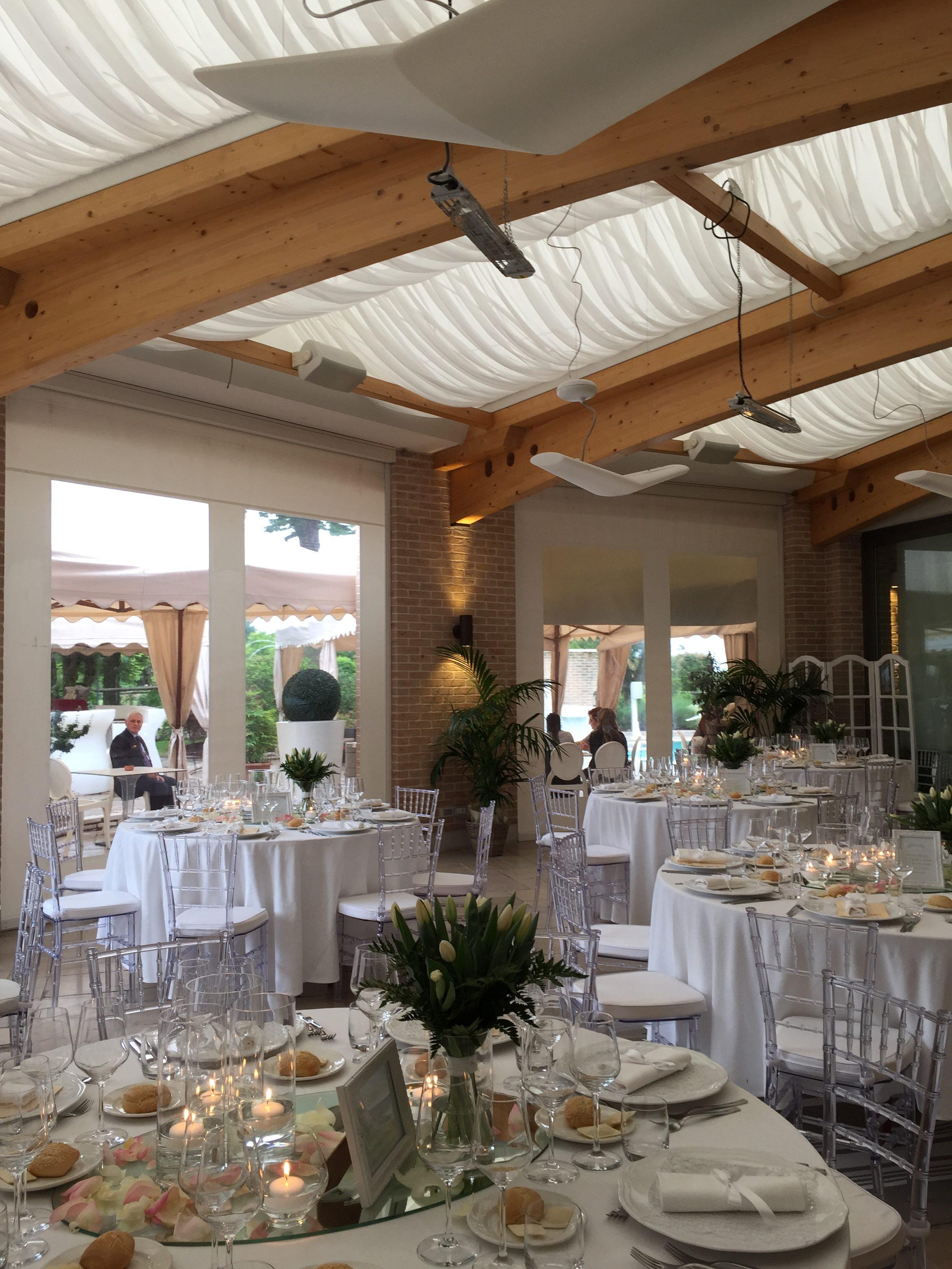 sala da pranzo ristorante per matrimoni
