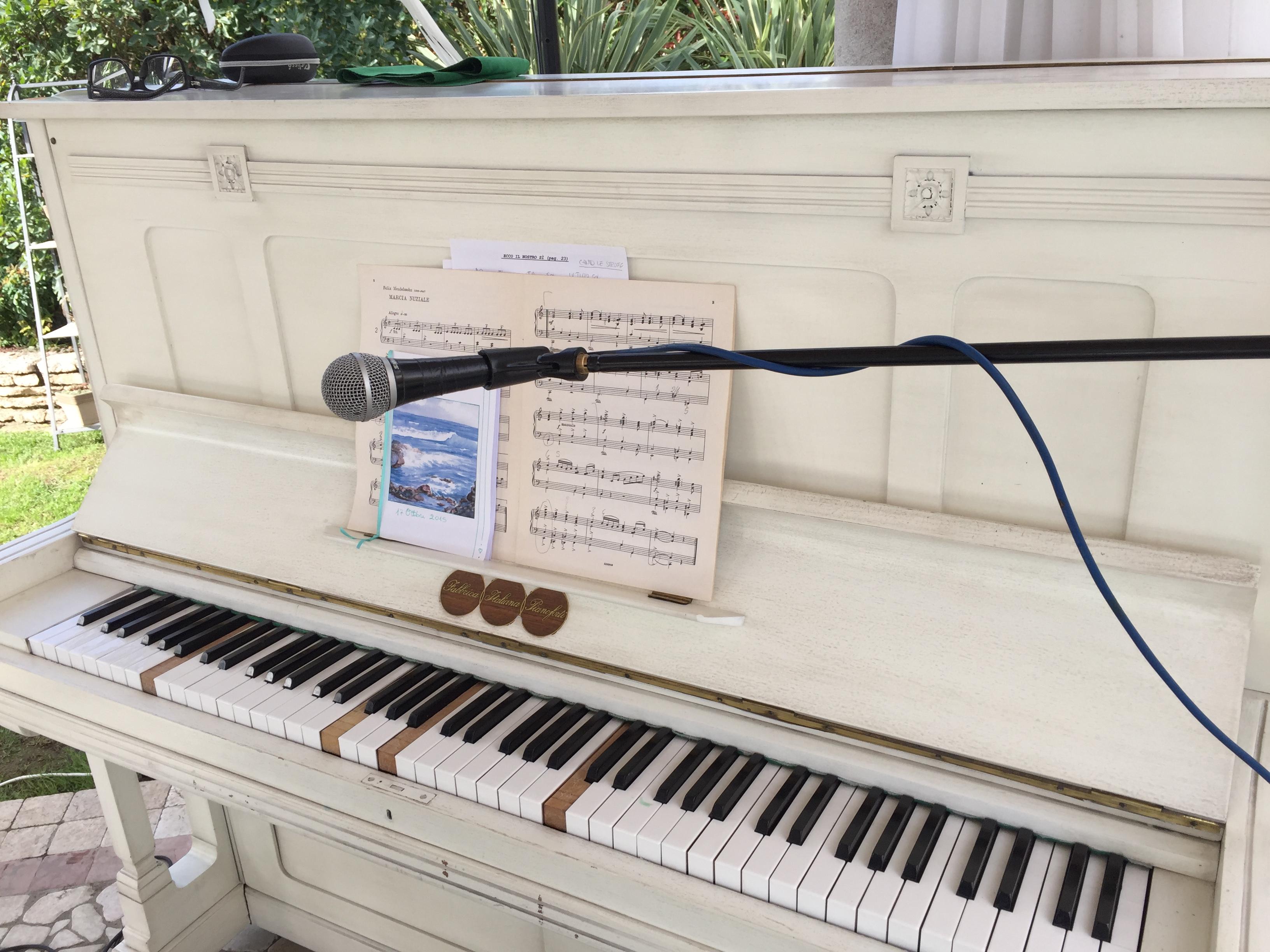 pianoforte in ristorante per matrimoni e cerimonie