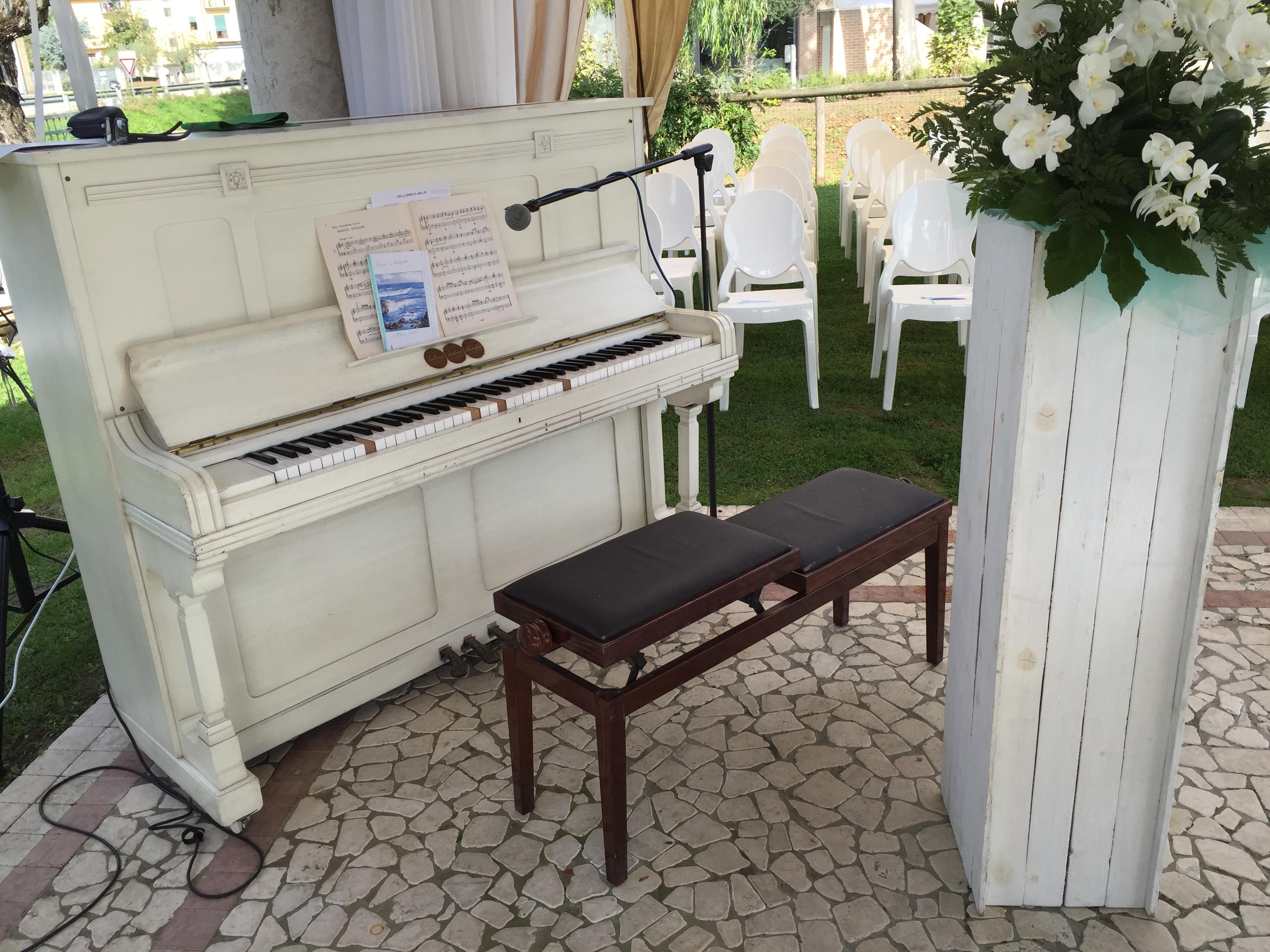 ristorante location con pianoforte per matrimoni e cerimonie