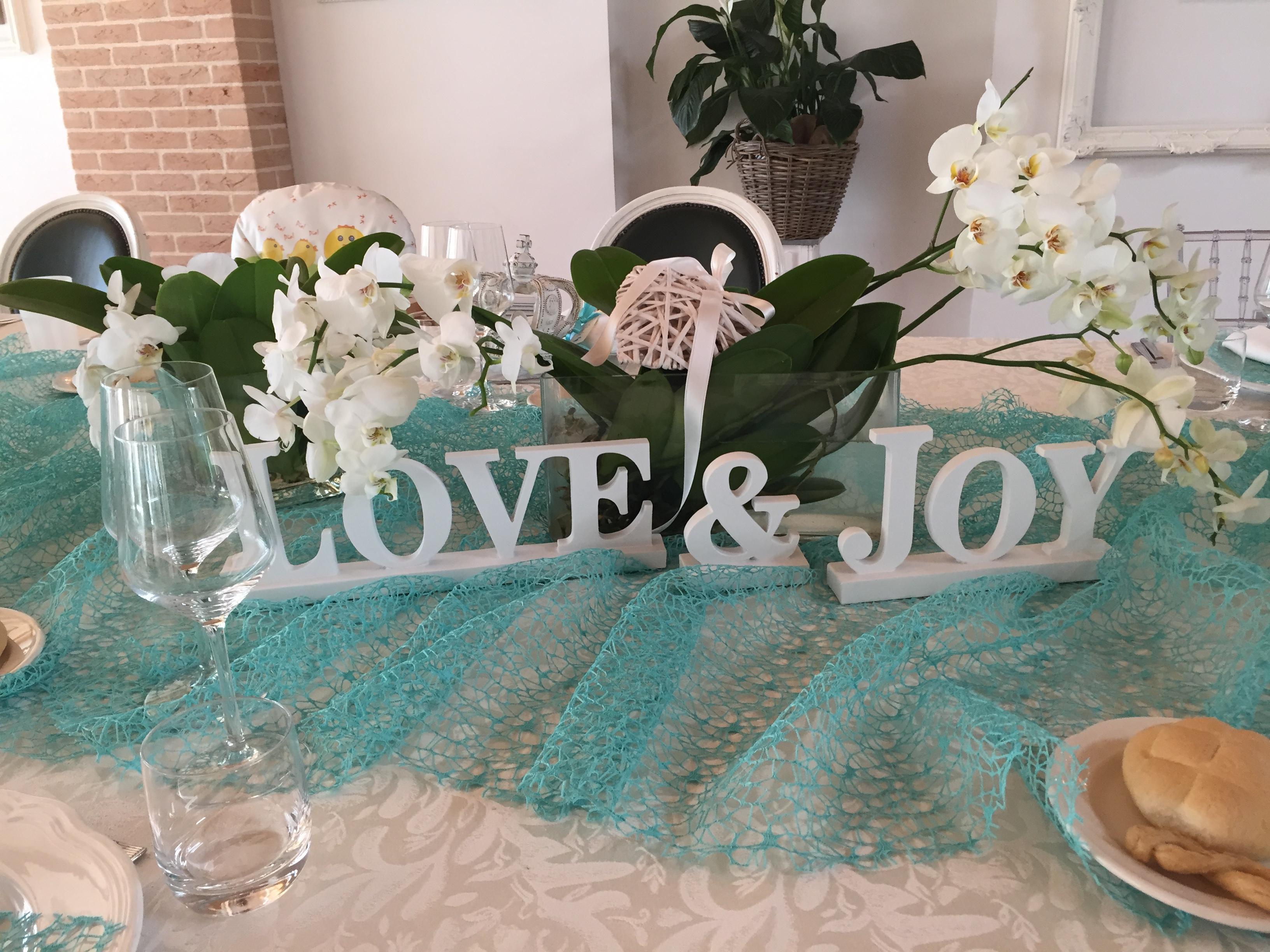 tavola imbandita in ristorante per matrimoni e cerimonie