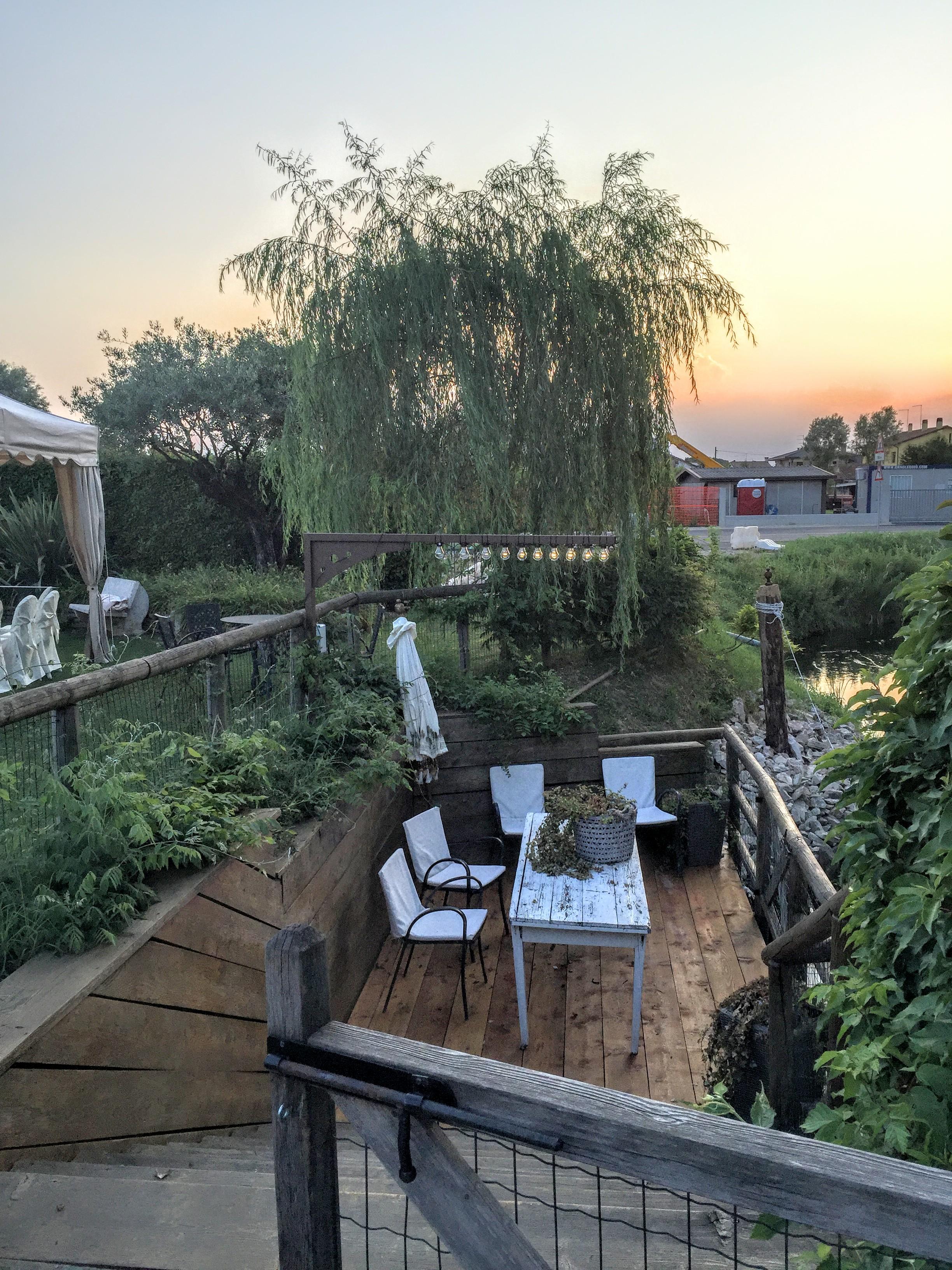 ristorante location con parco estivo