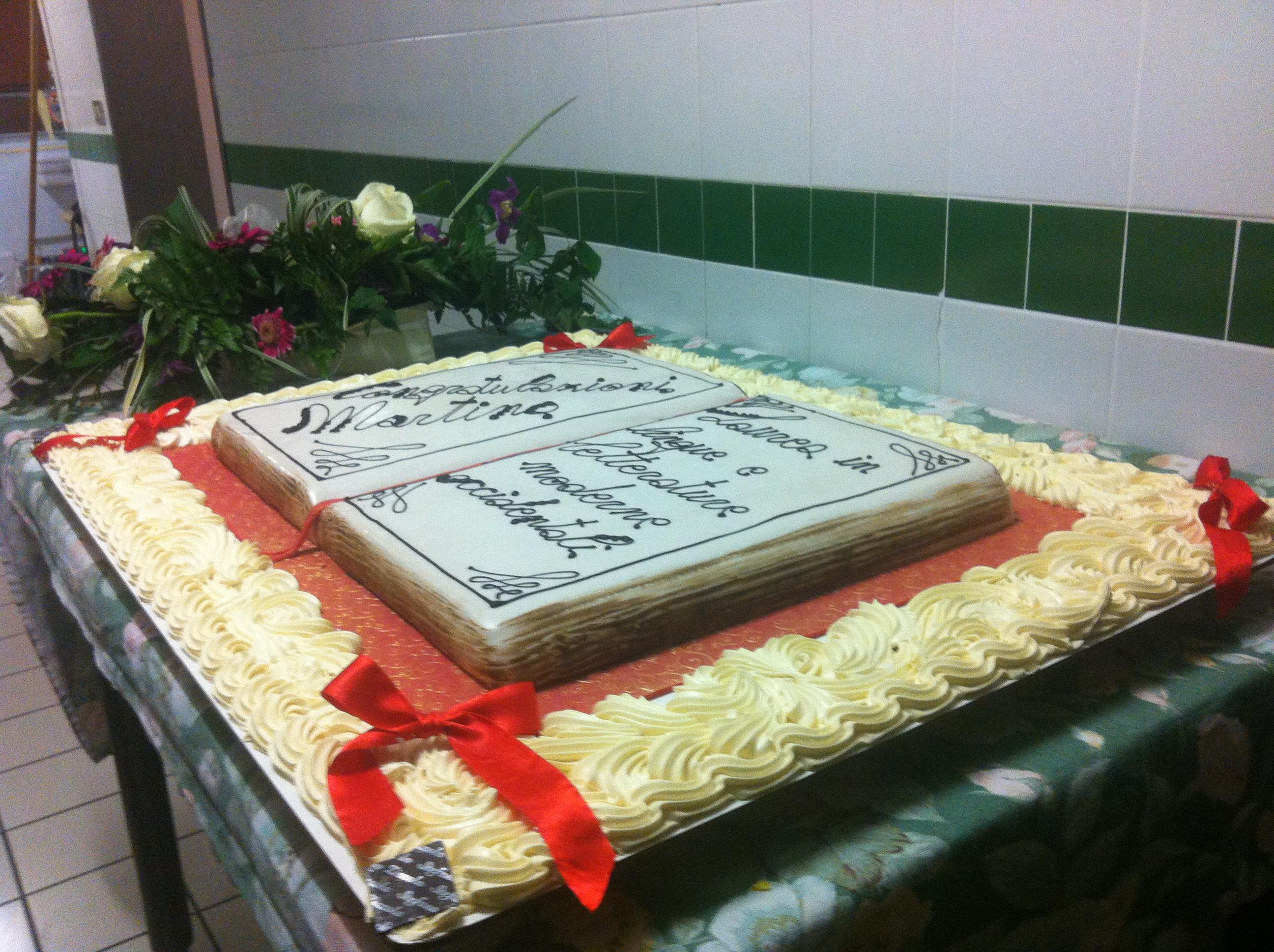 torta di festa di laurea