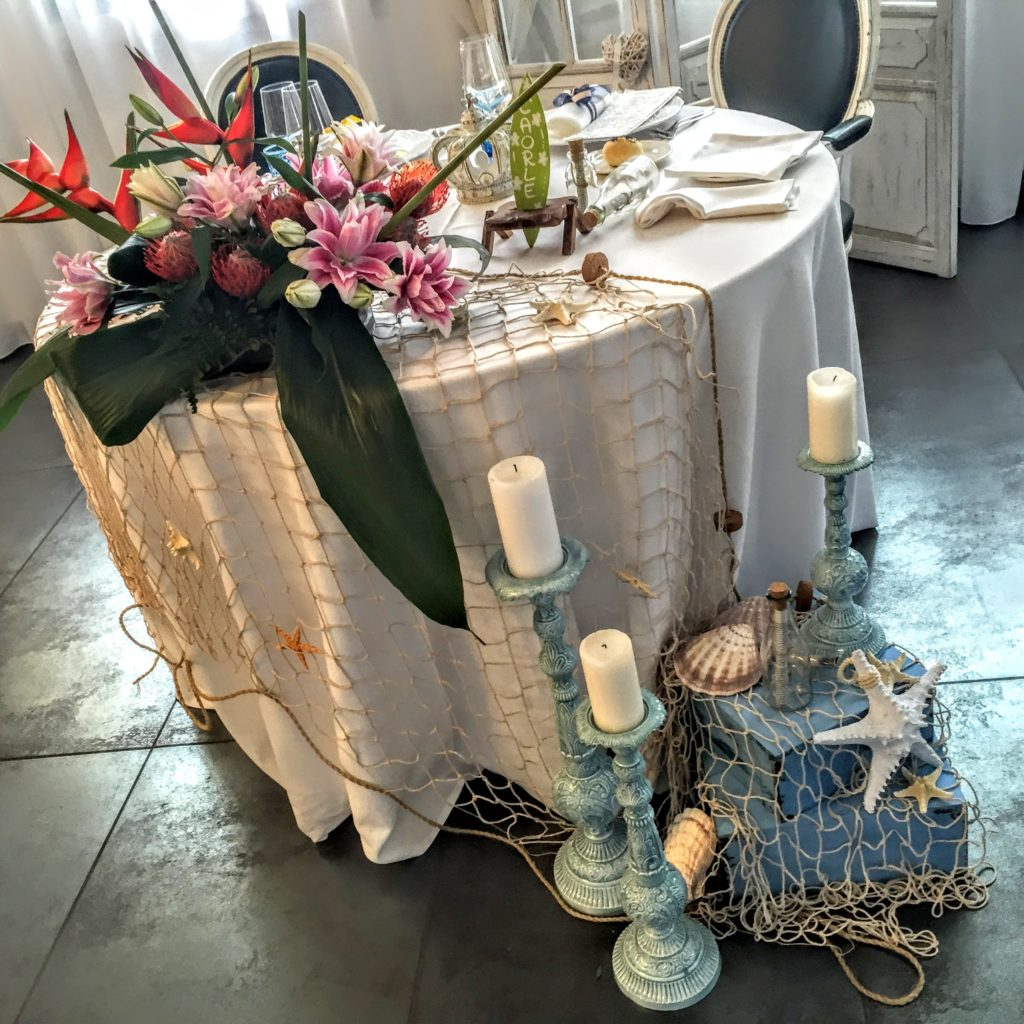 tavola imbandita per matrimonio o cerimonia