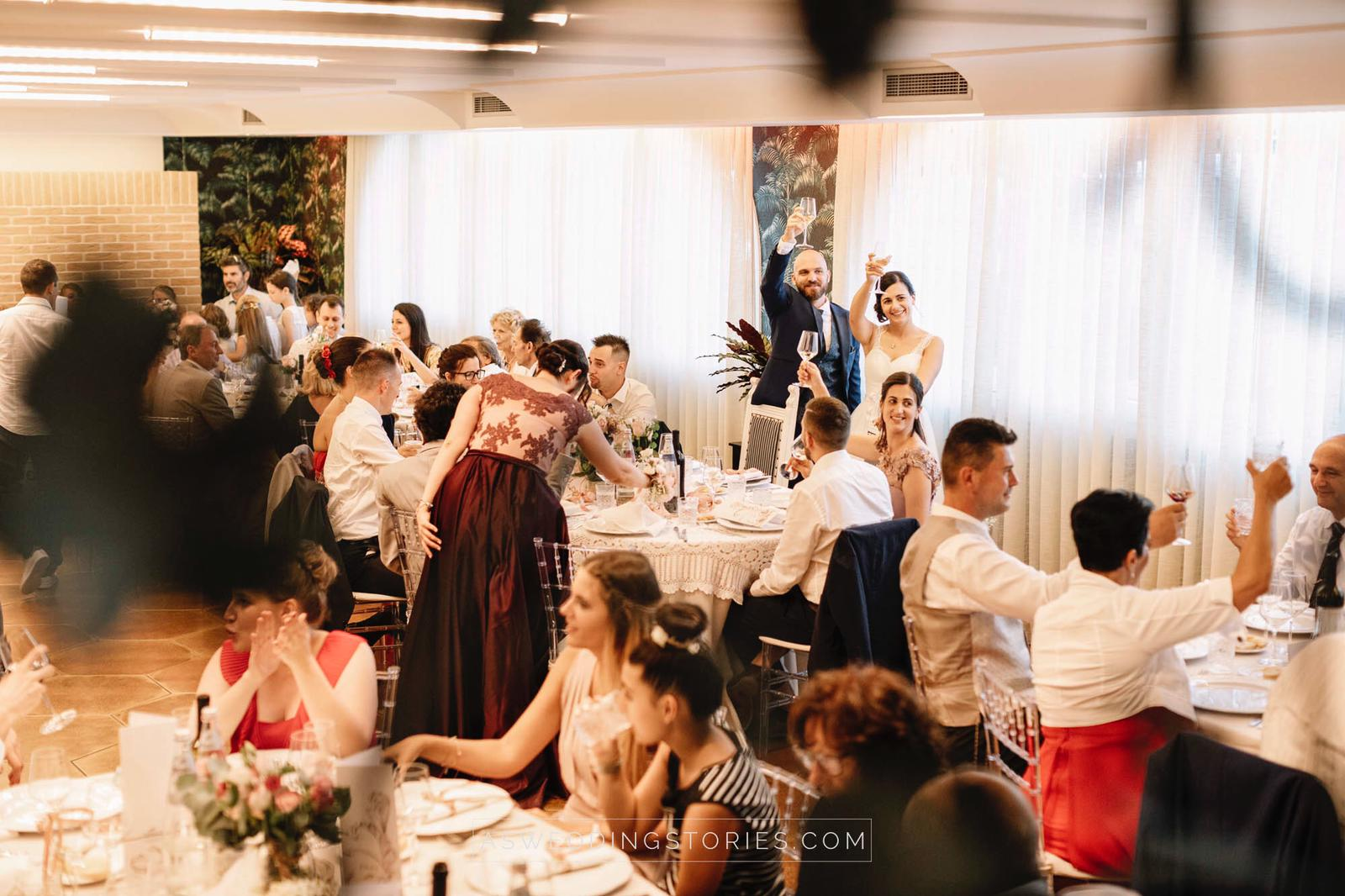Tavoli Da Pranzo Strani.Matrimonio La Disposizione Degli Invitati Ai Tavoli Del Ricevimento