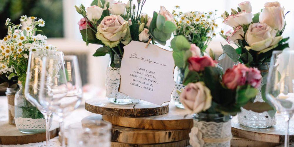 I segnaposto degli invitati al matrimonio